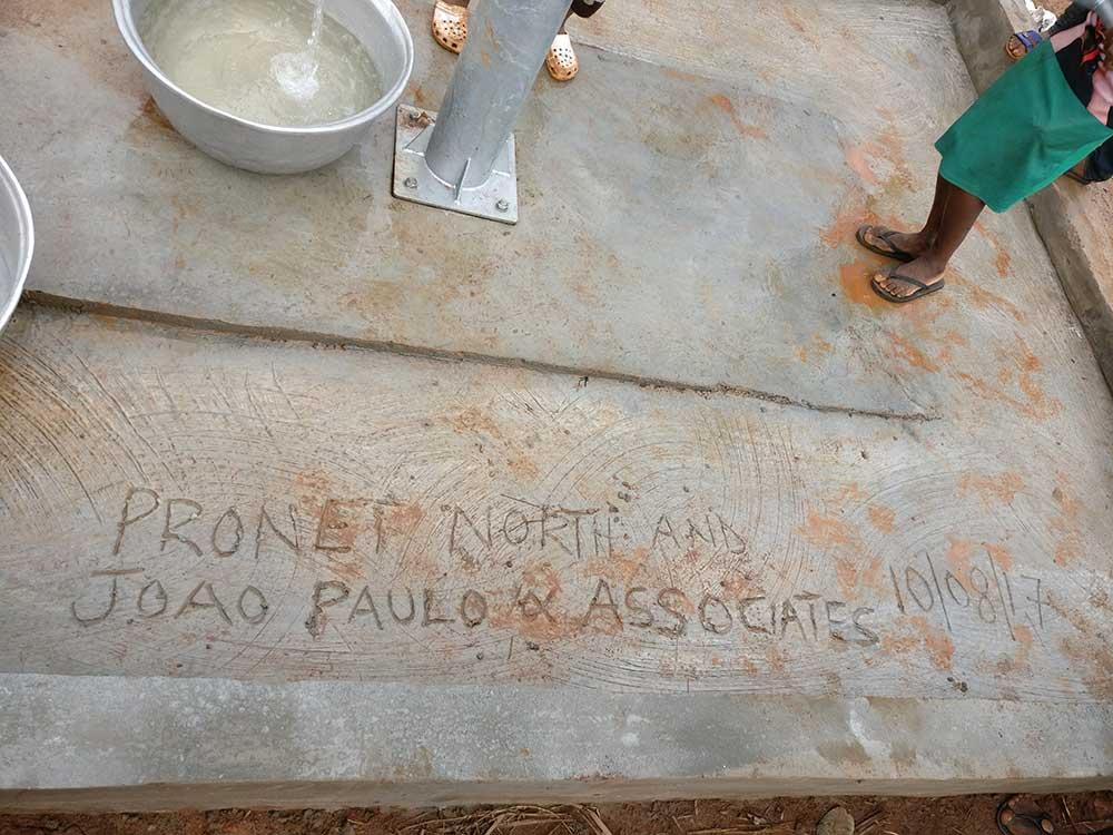 Projekt 3 | Lernen statt Schleppen – Spenden für eine saubere Wasserquelle in Ghana